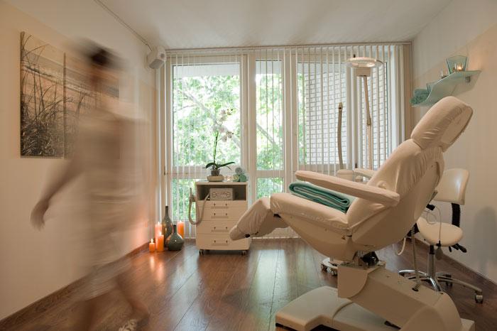 roya balance beauty kosmetikstudio in 10825 sch neberg. Black Bedroom Furniture Sets. Home Design Ideas